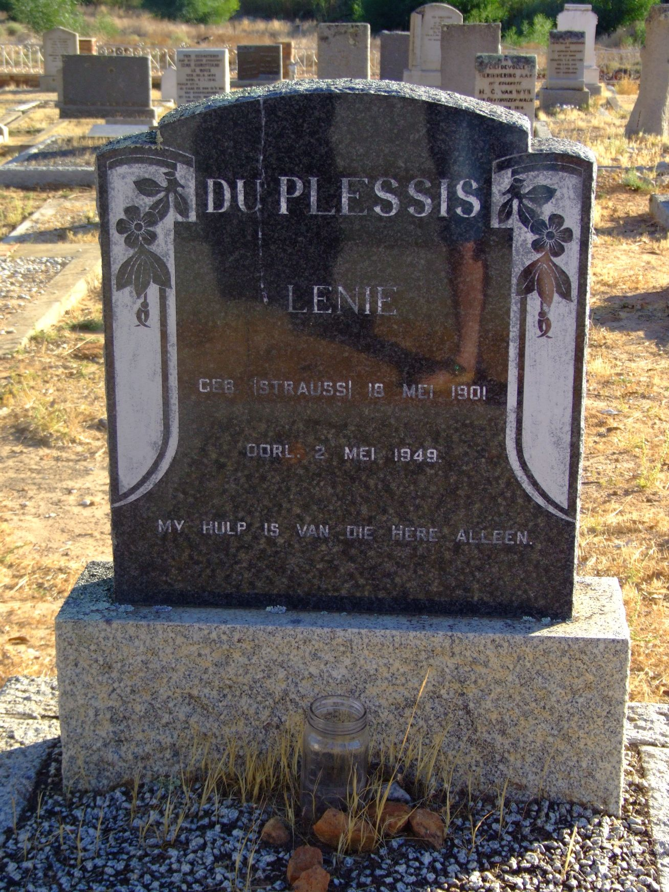 Du Plessis, Lenie (gebore Strauss)