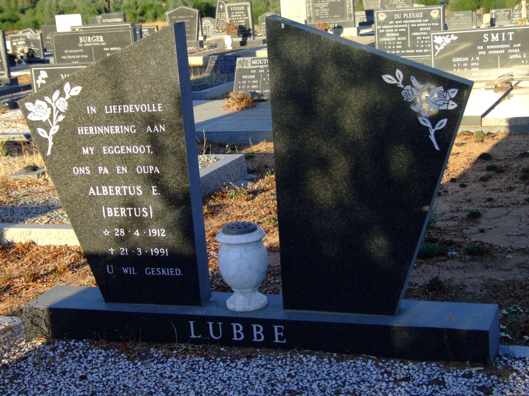 Lubbe, Albertus E