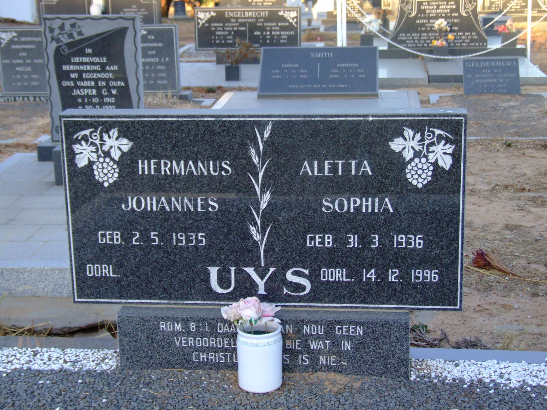 Uys, Hermanus Johannes + Uys, Aletta Sophia