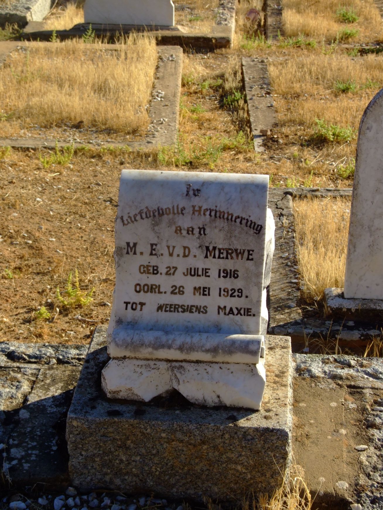 van der Merwe, Maxie E.