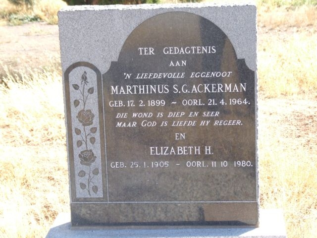 Ackerman, Marthinus SG born 17 February 1899 died 21 April 1964 + Elizabeth born 25 January 1905 died 11 October 1980