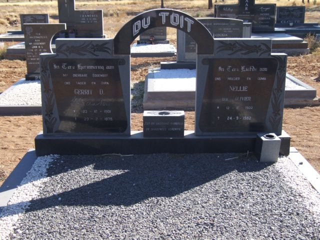 Du Toit, Gerrit born 23 October 1901 died 23 January 1975 + Nellie nee Olivier born 12 August 1902 died 24 September 1982