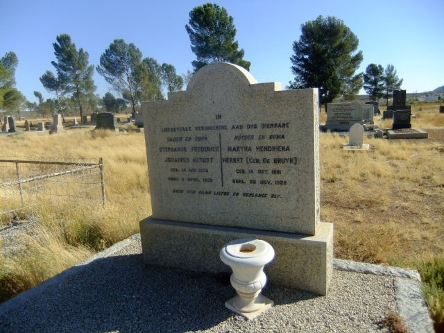 Herbst, Stephanus Frederick Johannes born 14 May 1876 died 03 April 1958 + Martha Hendriena nee De Bruyn born 14 October 1881 died 28 November 1928
