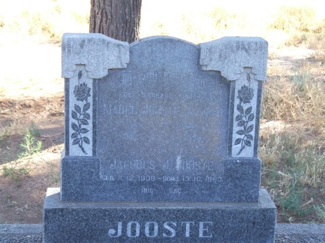 Jooste, Mable nee Murray born 01 March 1922 died 23 September 1998 + Jacobus born 11 December 1909 died 15 October 1963