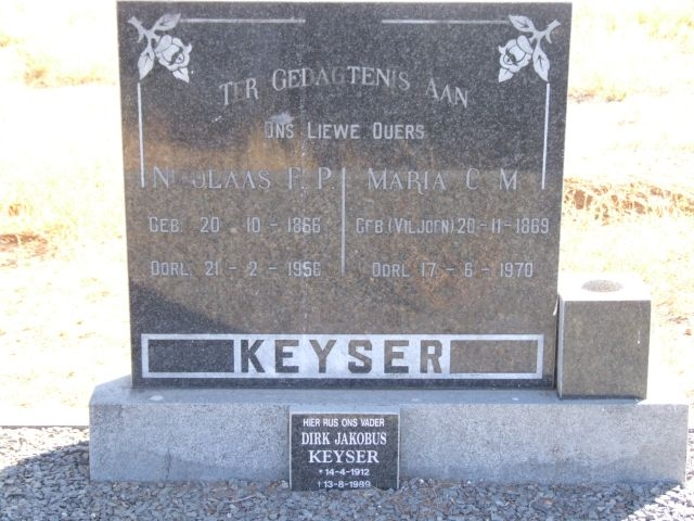 Keyser, Nicolaas born 20 October 1866 died 21 February 1956 + Maria nee Viljoen born 20 November 1869 died 17 June 1970