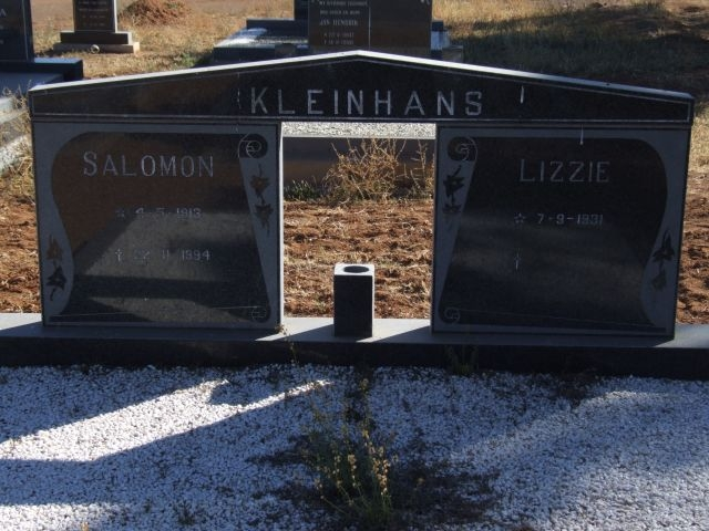 Kleinhans, Salomon born 04 May 1913 died 22 November 1994 + Lizzie born 07 September 1931