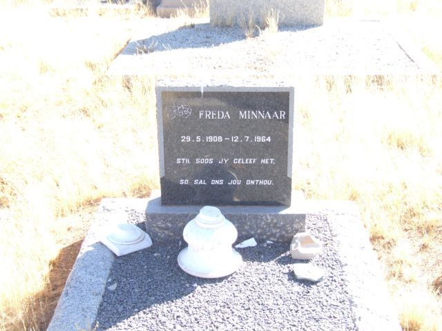 Minaar, Freda born 29 May 1908 died 12 July 1964