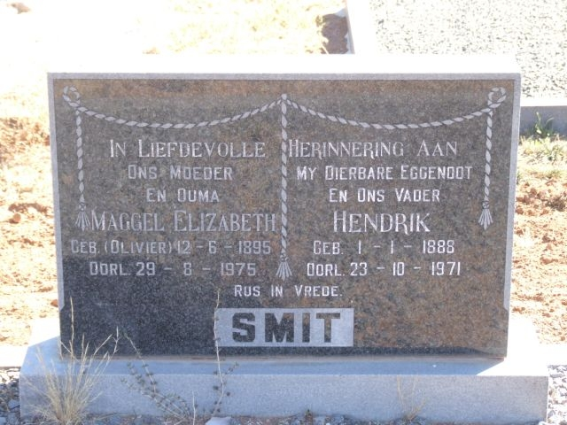 Smit, Maggel Elizabeth born Olivier 12 June 1895 died 29 August 1975 + Hendrik born 01 January 1888 died 23 October 1971
