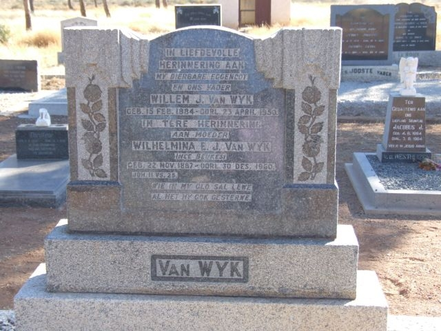 Van Wyk, Willem J born 15 February 1884 died 23 APRIL 1950 + Wilhelmina nee Beukes born 22 November 1887 died 30 December 1960
