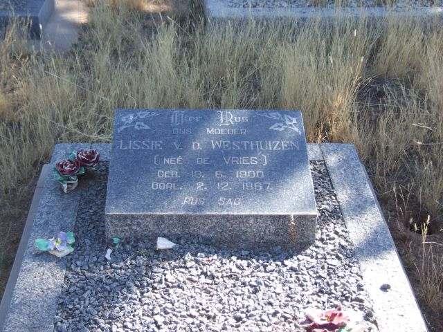 Van der Westhuizen, Lissie nee De Vries born 18 June 1900 died 02 December 1962