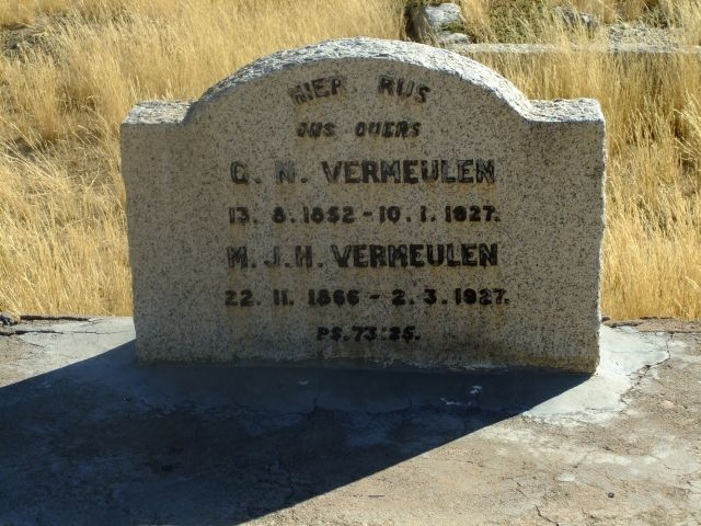 Vermuelen, GN born 13 August 1852 died 10 January 1927 + MJH born 22 November 1866 died 02 March 1927