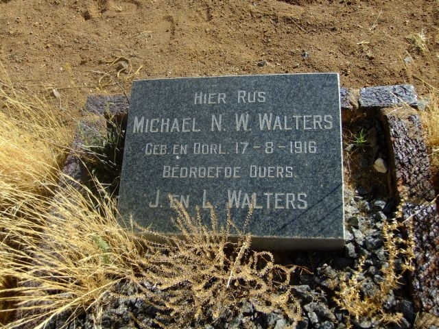 Walters, Michael N son of J + L born+ died 17 August 1916