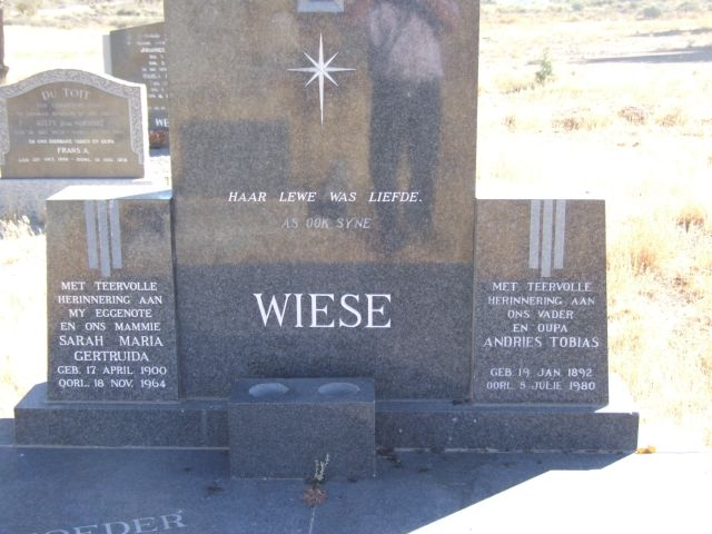 Wiese, Sarah Maria Gertruida born 17 April 1900 died 18 November 1964 + Andries Tobias born 19 January 1892 died 05 July 1980