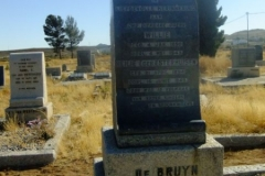 De Bruyn, Willie born 04 Janaury 1890 died 04 May 1943 + Heilie nee Esterhuizen born 21 April 1894 died 16 June 1949