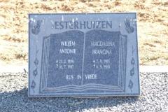 Esterhuizen, Willem Antonie born 21 February 1986 died 16 July 1987 + Magdalena Francina born 07 September 1905 died 06 September 1988