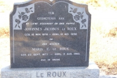Le Roux, Johannes Jacobus born 16 November 1878 died 12 May 1956 + Maria born 23 September 1877 died 03 August 1965