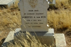 Van Wyk, Albertus A born 08 December 1872 died 25 April 1949