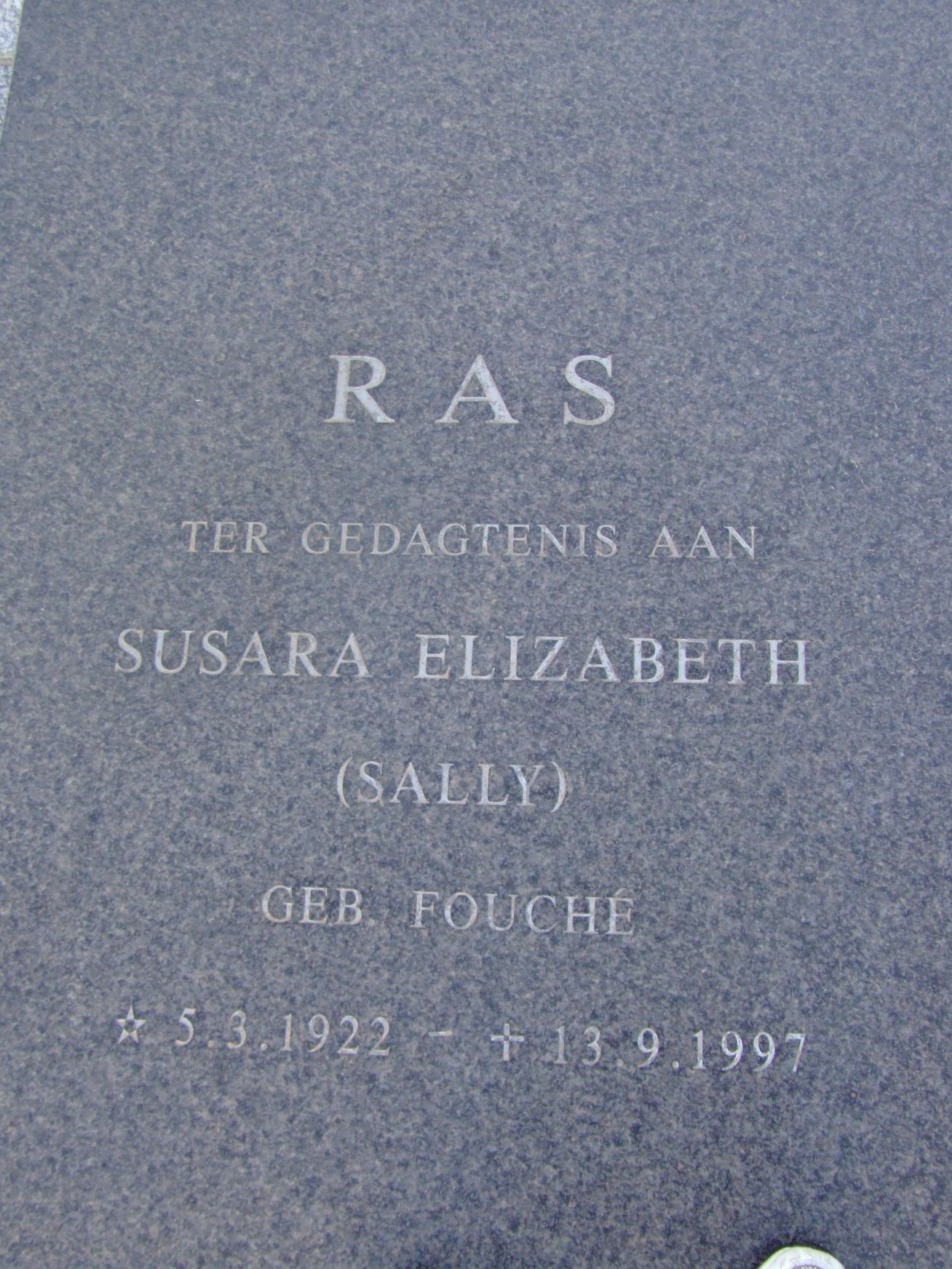 Ras, Susara Elizabeth