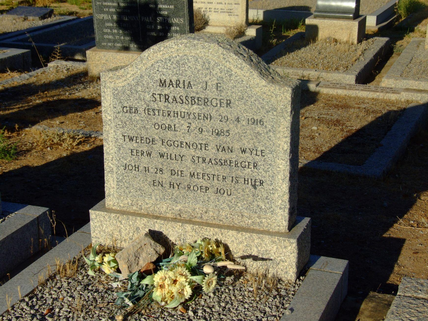 Strassberger, Maria J.E (geb Esterhuizen)