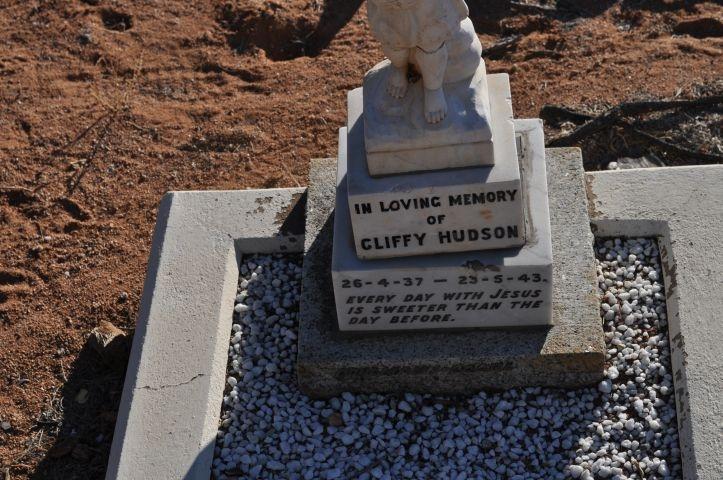Hudson, Cliffy