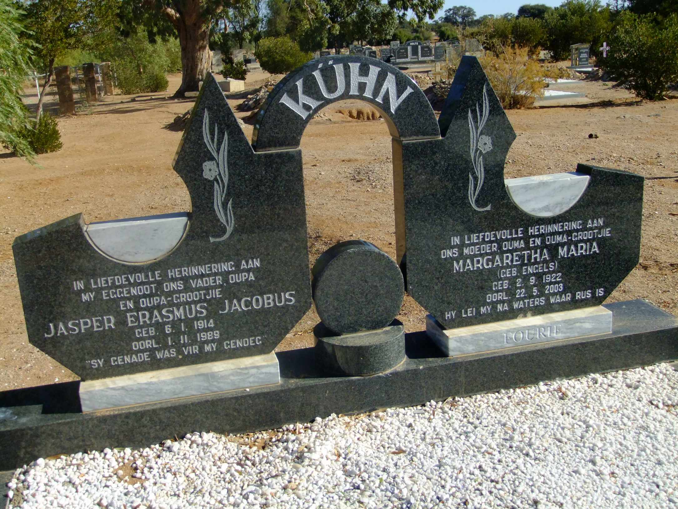 Kuhn, Jasper Erasmus Jacobus born 06 January 1914 died 01 Novenber 1989 and Margaretha Maria nee Engels born 02 September 1922 died 22 May 2003