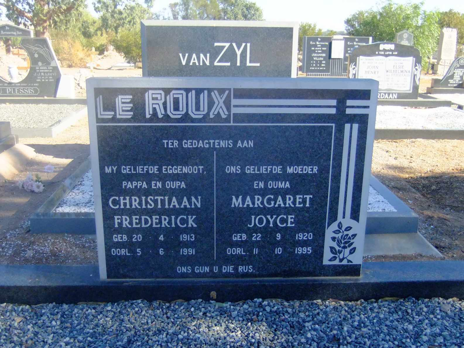 Le Roux, Christiaan Frederick born 20 April 1913 died 05 June 1991 and Margaret Joyce born 22 September 1920 died 11 October 1995