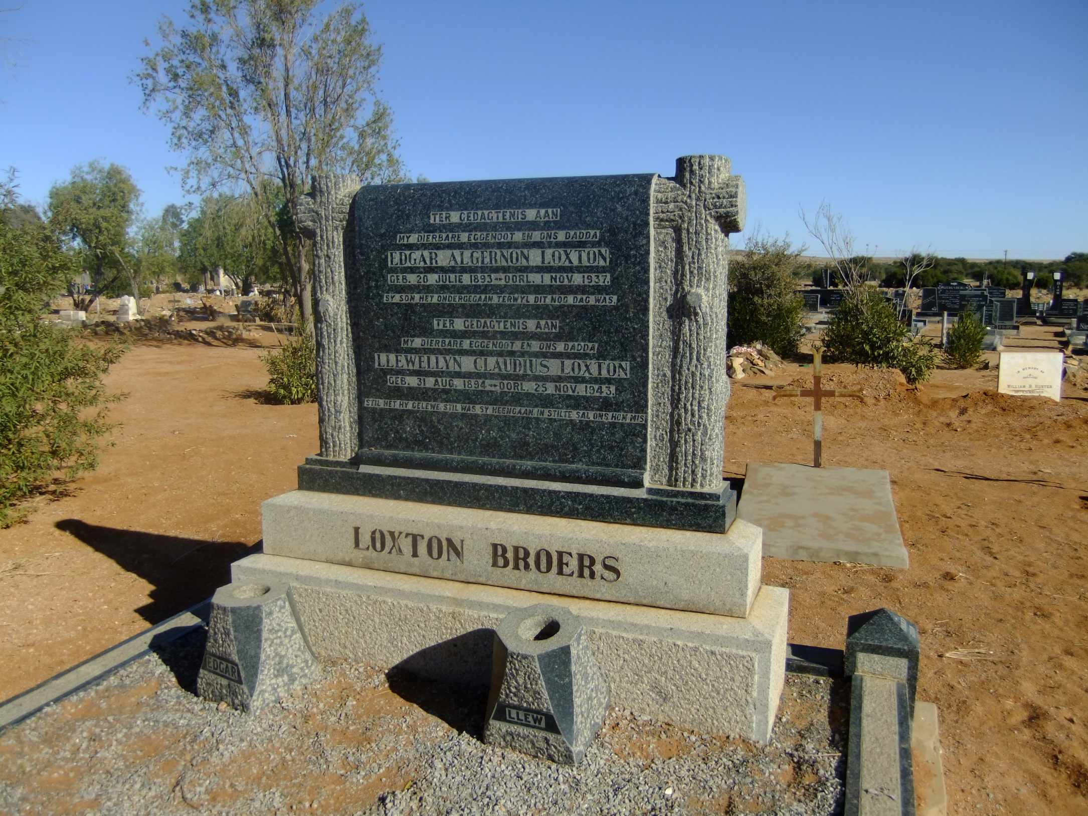 Loxton, Edgar Algernon born 20 July 1893 died 01 November 1937 and Llewellyn Claudius born 31 August 1894 died 25 November 1943