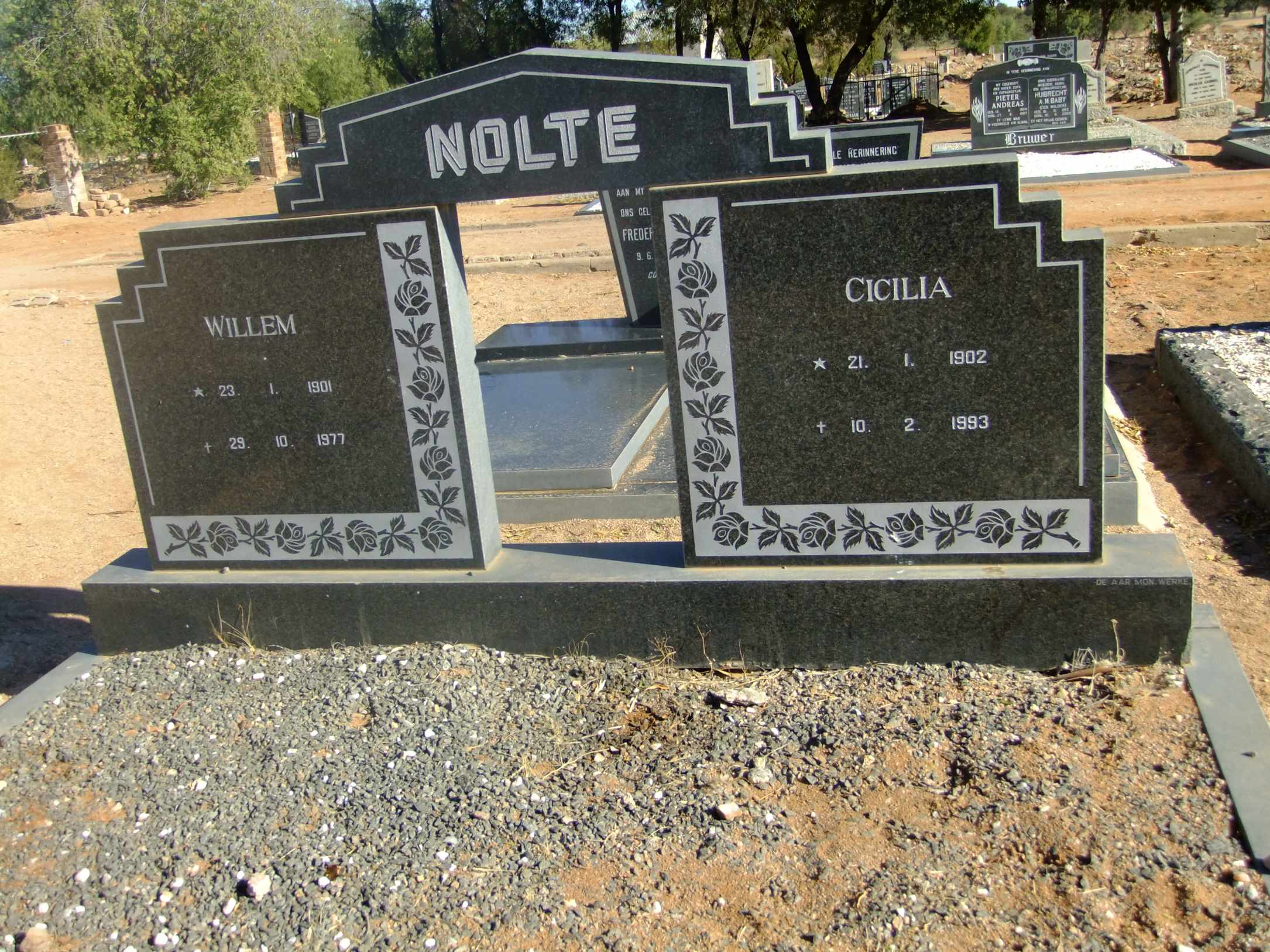 Nolte, Willem born 23 January 1901 died 29 October 1977 and Cicilia born 21 January 1902 died 10 January 1993