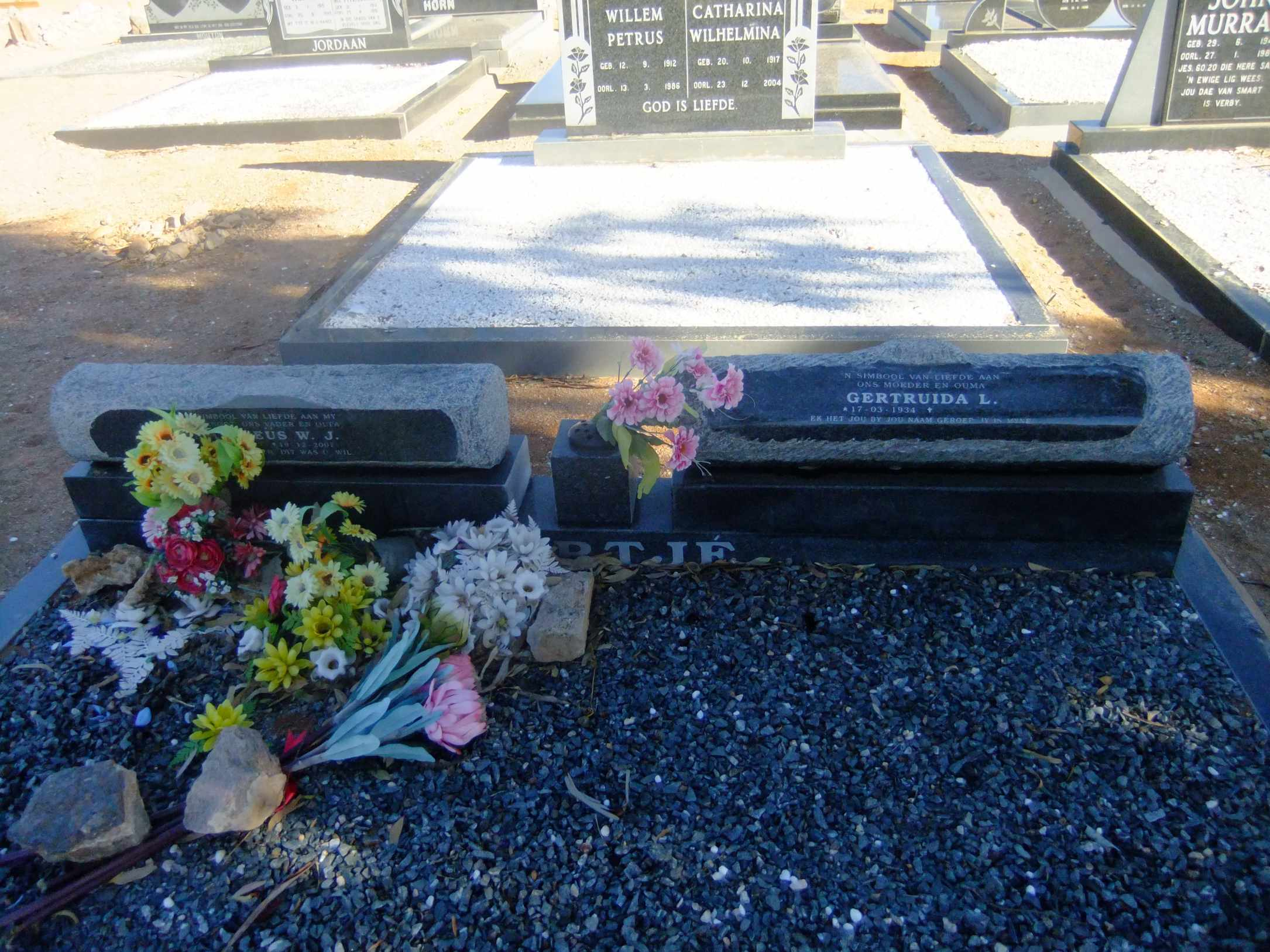 Nortjie, Matheus died December 2007 and Gertruida born 17 March 1934