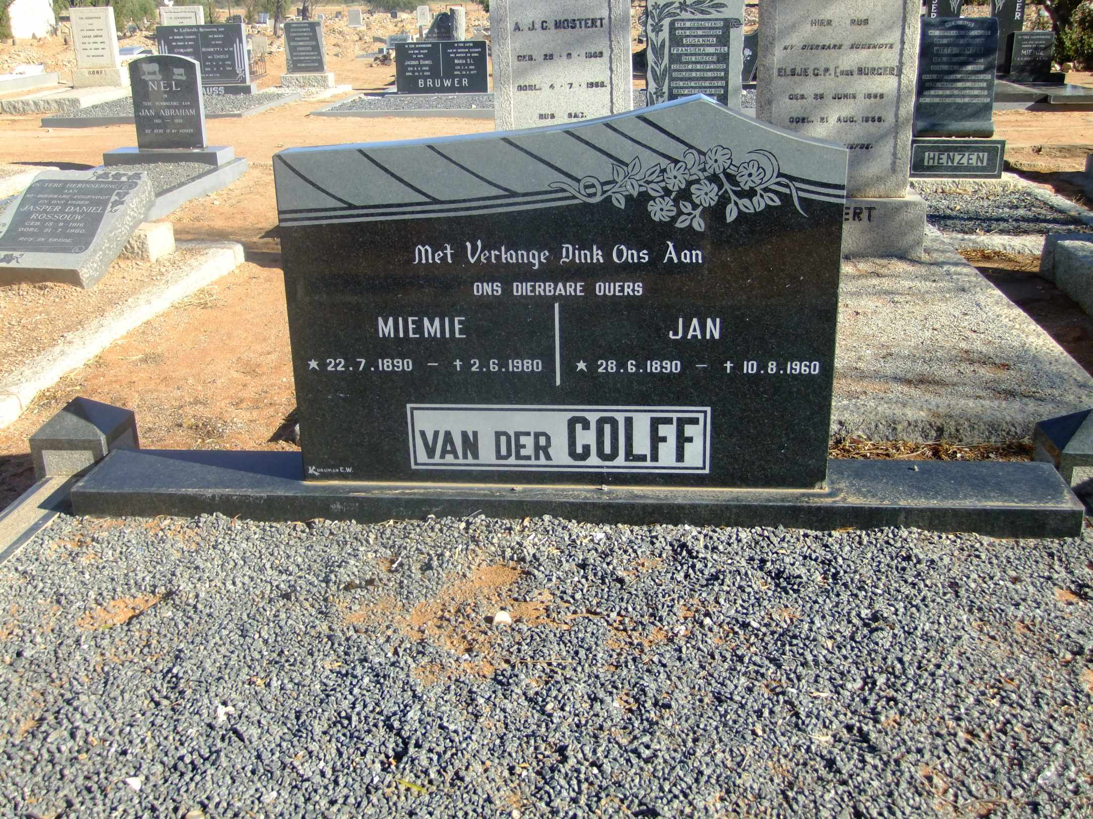 Van der Colff, Mimie born 22 July 1890 died 02 June 1980 and Jan born 28 June 1890 died 10 August 1960