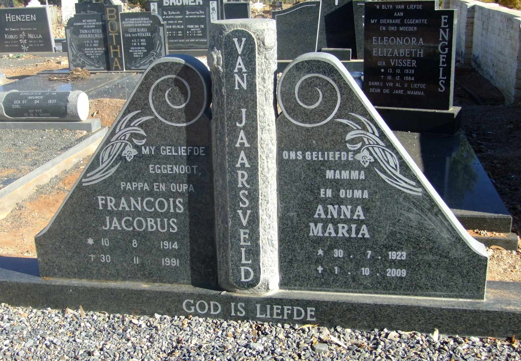 Van Jaarsveld, 10 August 1914 died 30 November 1991 and Anna Maria born 30 July 1923 died 1 October 2009