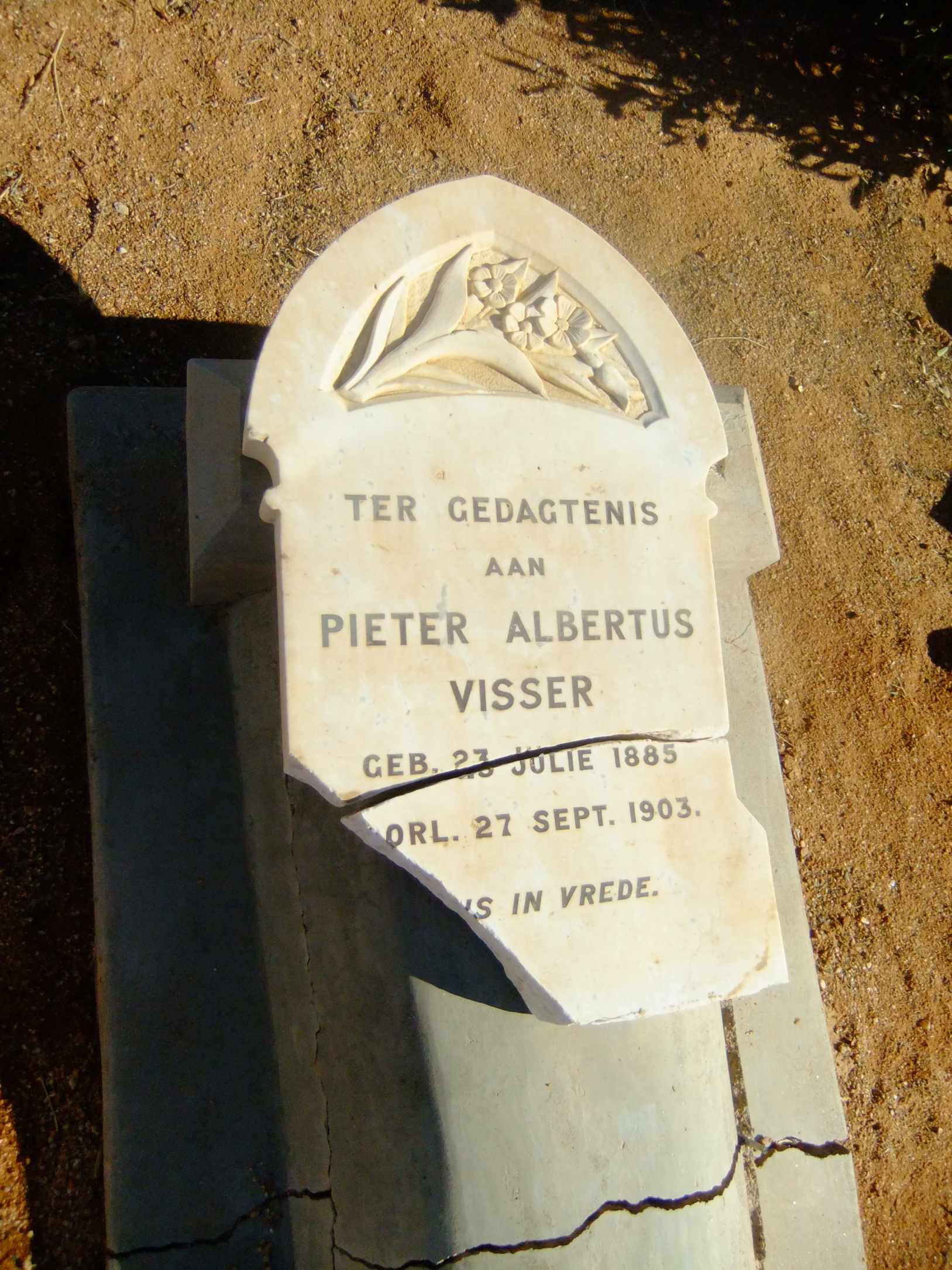 Visser, Pieter Albertus born 23 July 1885 died 27 September 1903