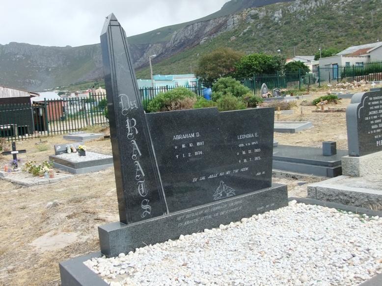 Cemetery Kleinmond 011