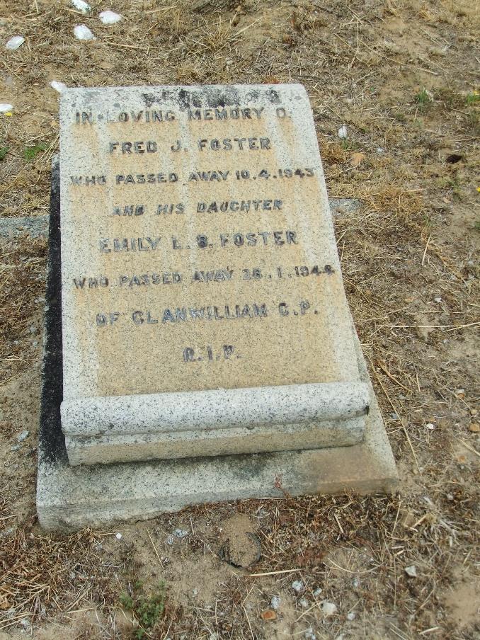 Cemetery Kleinmond 020