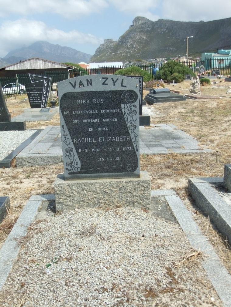 Cemetery Kleinmond 071