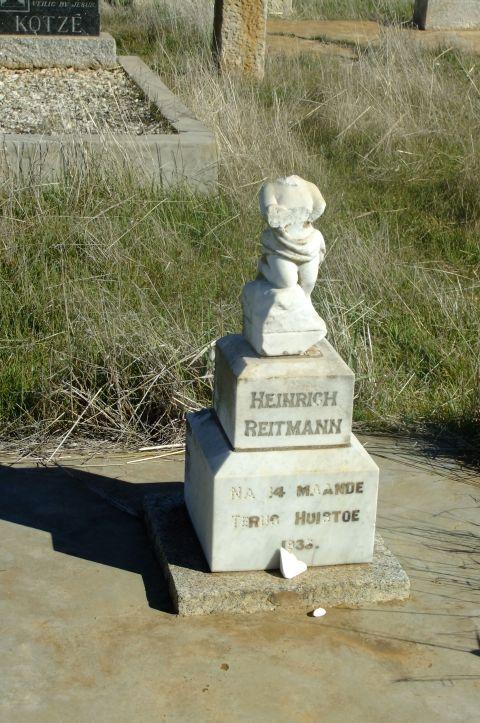 Reitman, Heinrich aged 14 months 1933