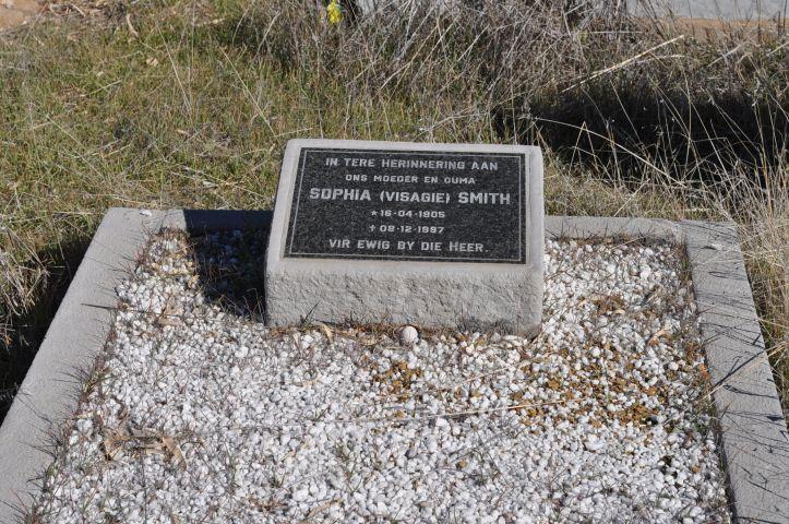 Smith, Sophia nee Visagie born 16 April 1905 died 08 December 1997