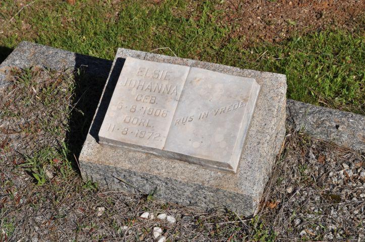 Unknown, Elsie Johanna born 05 August 1906 died 11 August 1972