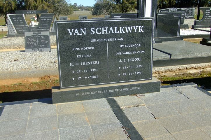 Van Scalkwyk, Hester born 22 December 1923 died 17 September 2007 + Koos JJ born 12 October 1923 died 29 November 1995