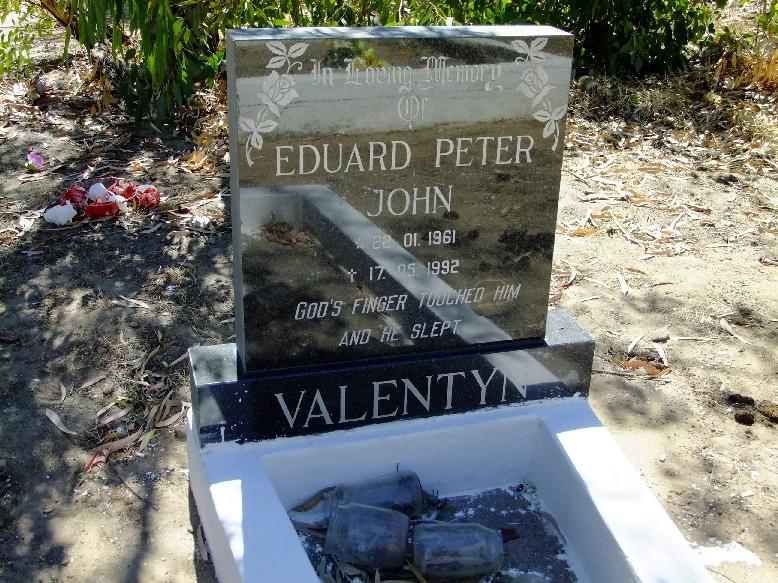 Valentyn, Eduard Peter John